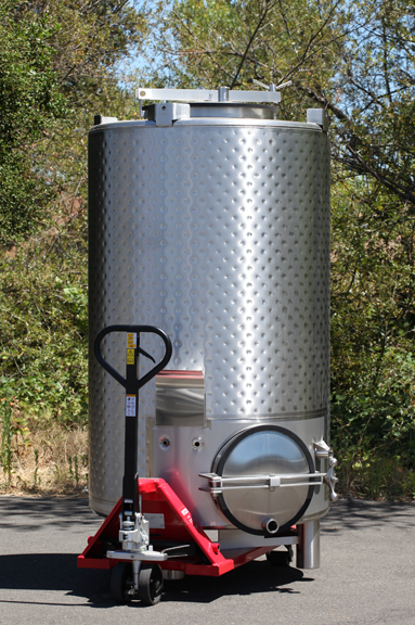 Westec stainless portable wine tank with pallet jack
